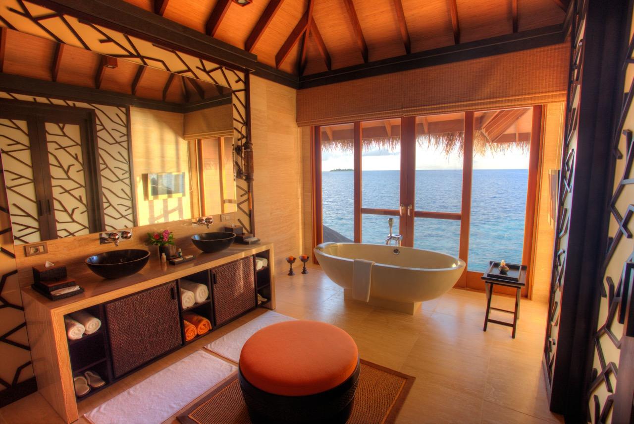 Ayada Maldives Royal Ocean Suite Bathroom