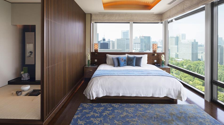 the-peninsula-tokyo-the-peninsula-suite-bedroom